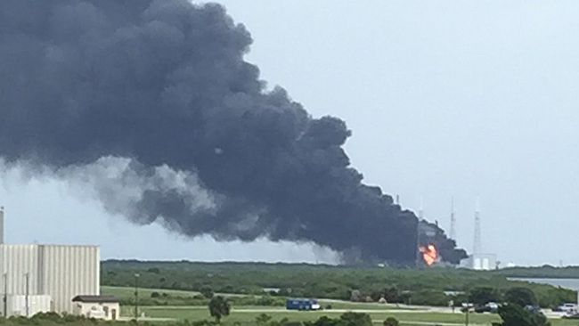 SpaceX rocket explodes in Florida ahead of launch