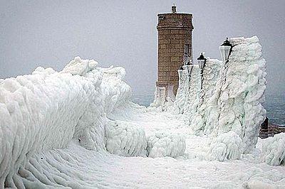 Severe Winter: source - http://vortex.accuweather.com/adc2004/pub/includes/columns/newsstory/2012/400x266_11011708_590x340_02081900_la-0207-pin01.jpg