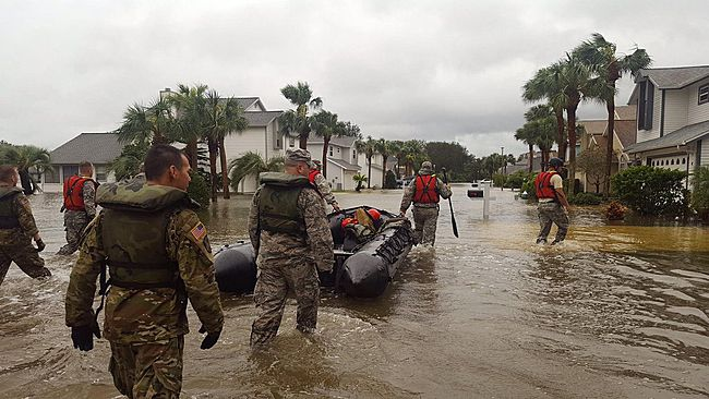 Weakened Hurricane Matthew Hits Georgia, Carolinas