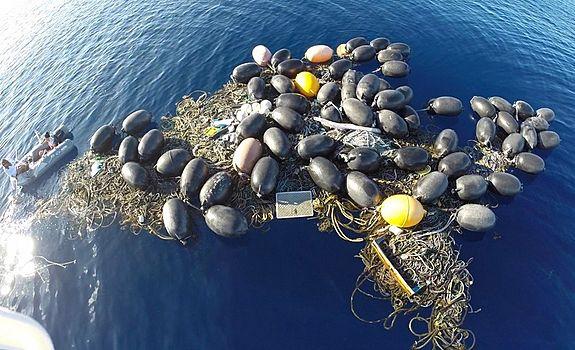 575x350_12131356_trash-island.jpg